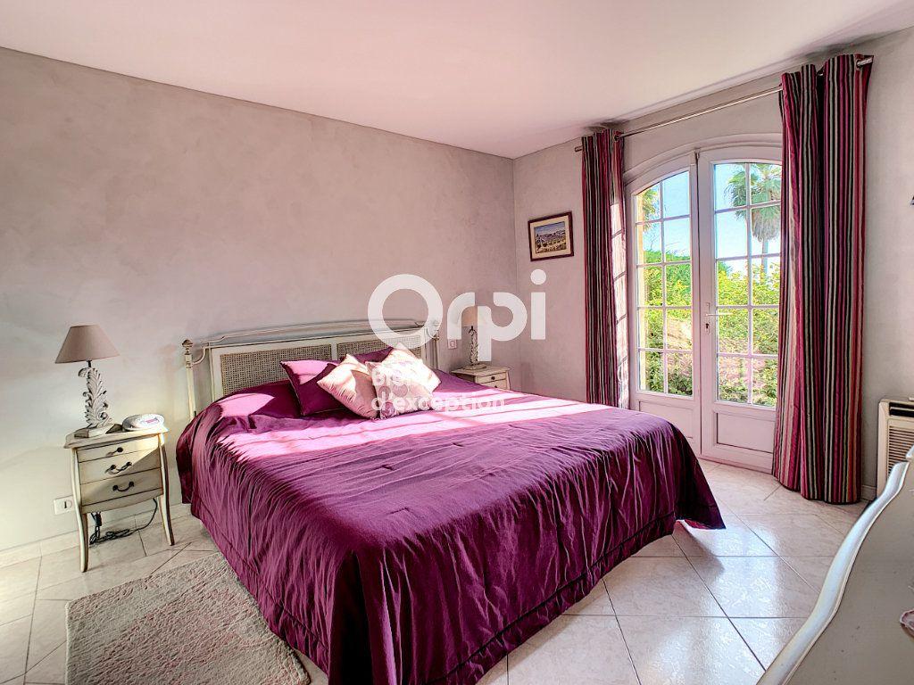 Maison à vendre 5 200m2 à Antibes vignette-9