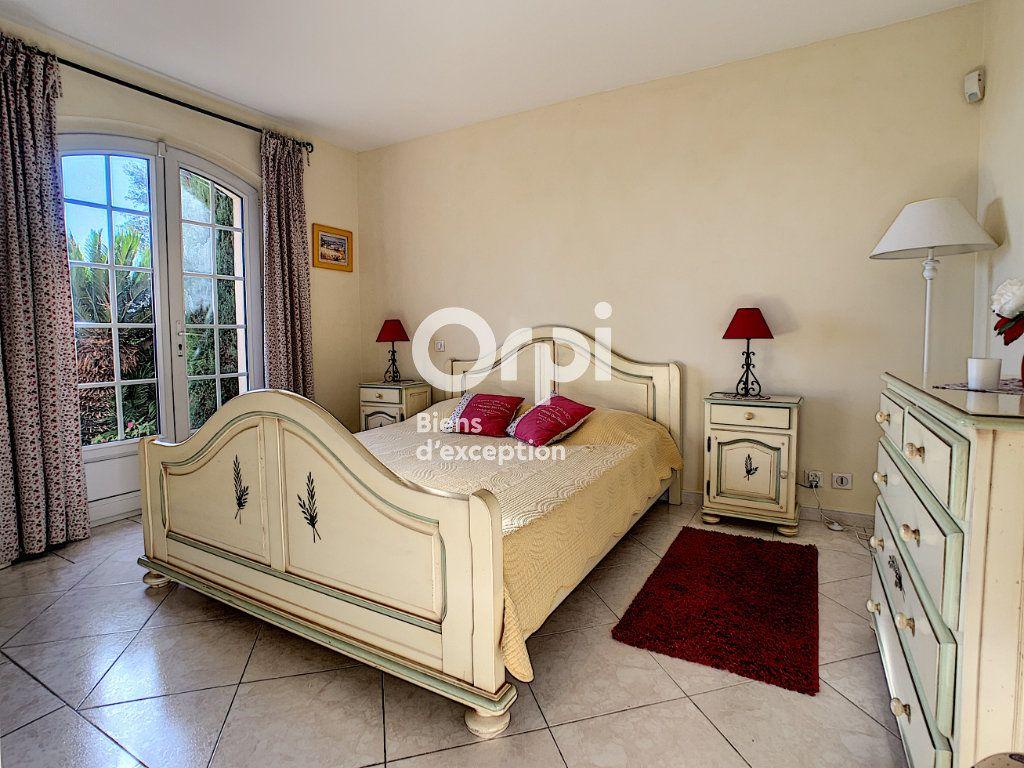 Maison à vendre 5 200m2 à Antibes vignette-11