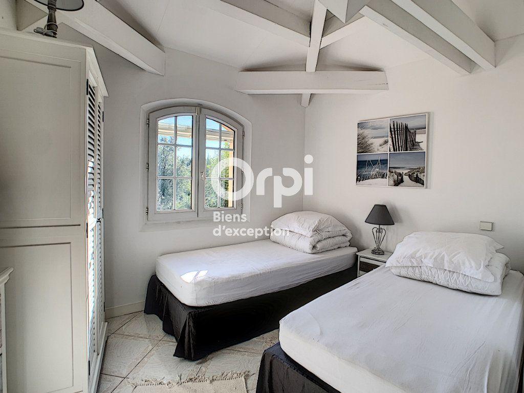 Maison à vendre 5 200m2 à Antibes vignette-13