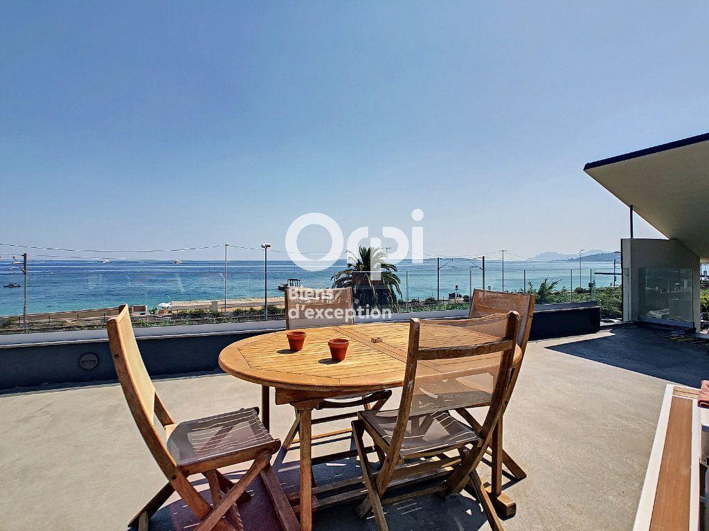 Maison à vendre 6 120m2 à Antibes vignette-3