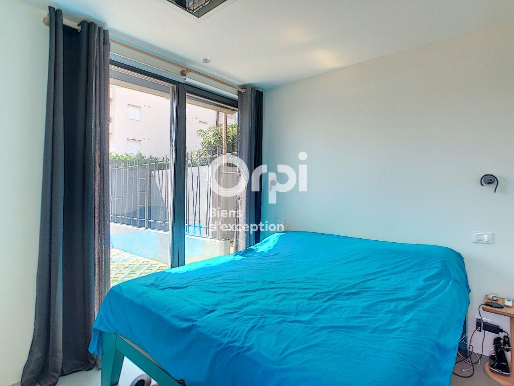Maison à vendre 6 120m2 à Antibes vignette-8