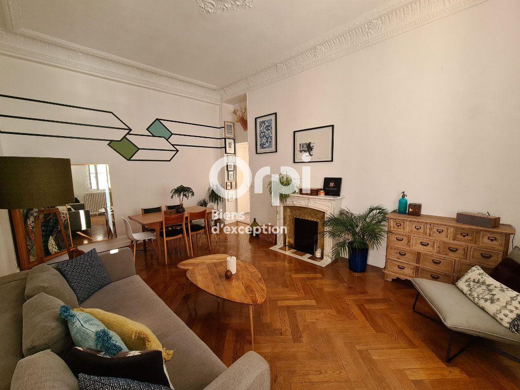Appartement à vendre 2 56.17m2 à Nice vignette-2