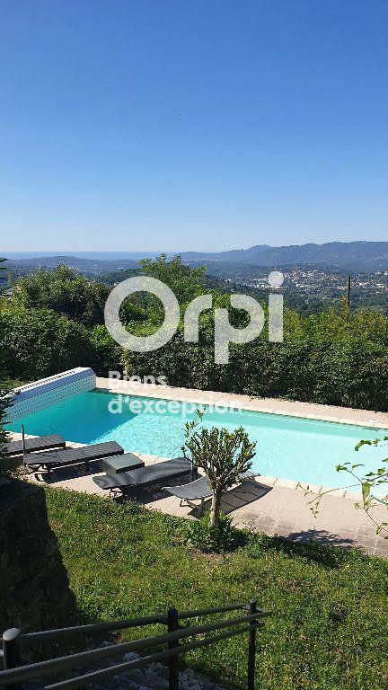 Maison à vendre 8 234m2 à Châteauneuf-Grasse vignette-1