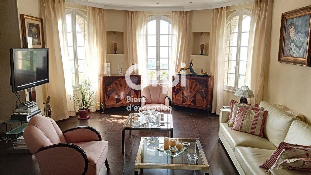 Maison à vendre 8 234m2 à Châteauneuf-Grasse vignette-3