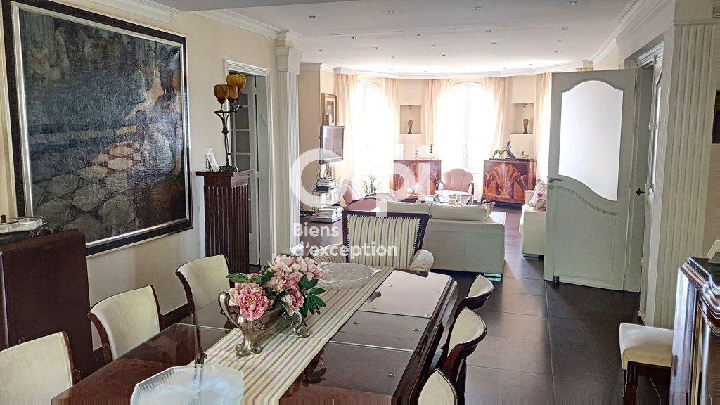 Maison à vendre 8 234m2 à Châteauneuf-Grasse vignette-5