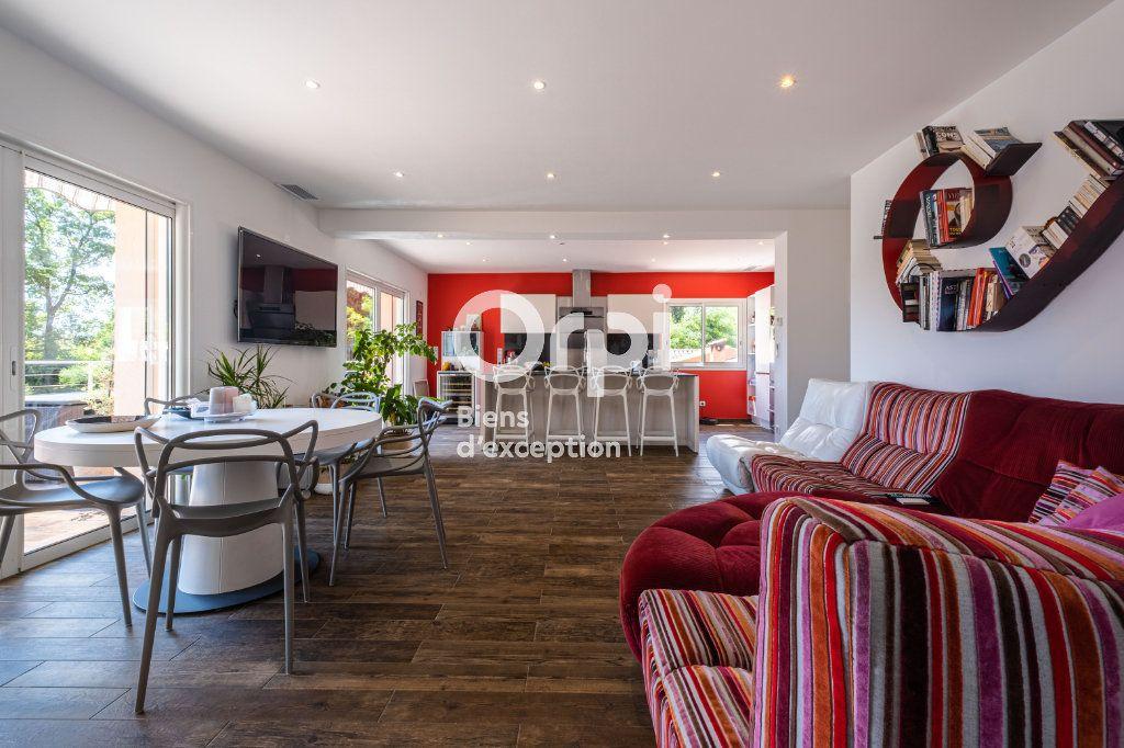 Maison à vendre 10 340m2 à Roquefort-les-Pins vignette-3