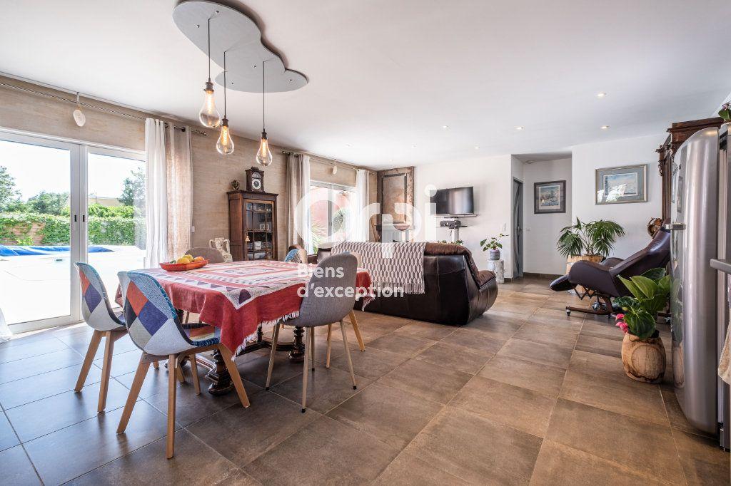 Maison à vendre 10 340m2 à Roquefort-les-Pins vignette-4