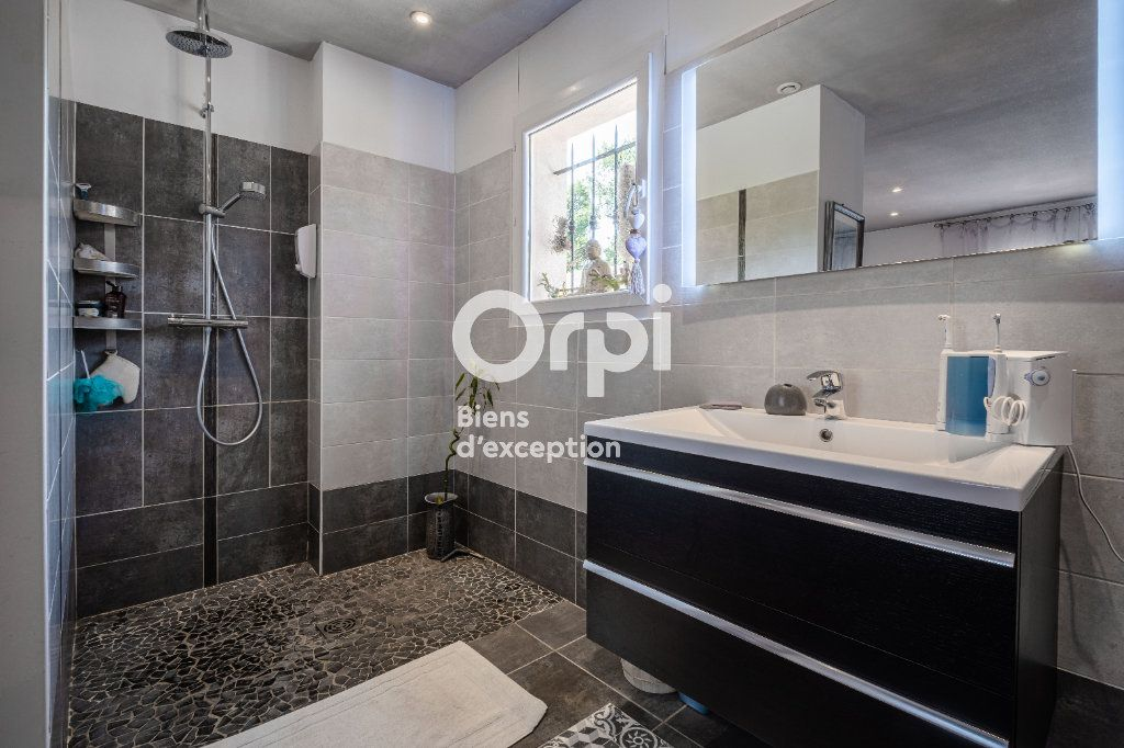Maison à vendre 10 340m2 à Roquefort-les-Pins vignette-8
