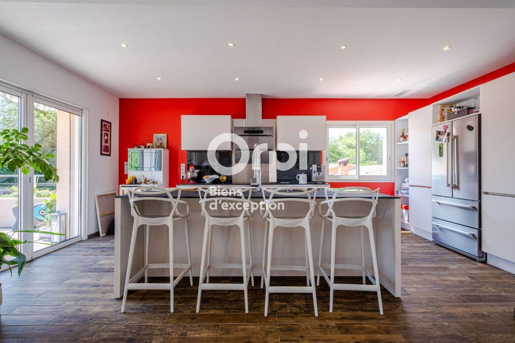Maison à vendre 10 340m2 à Roquefort-les-Pins vignette-10