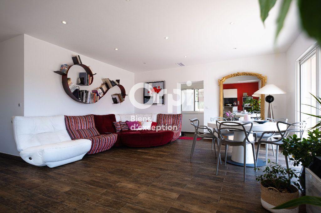 Maison à vendre 10 340m2 à Roquefort-les-Pins vignette-11