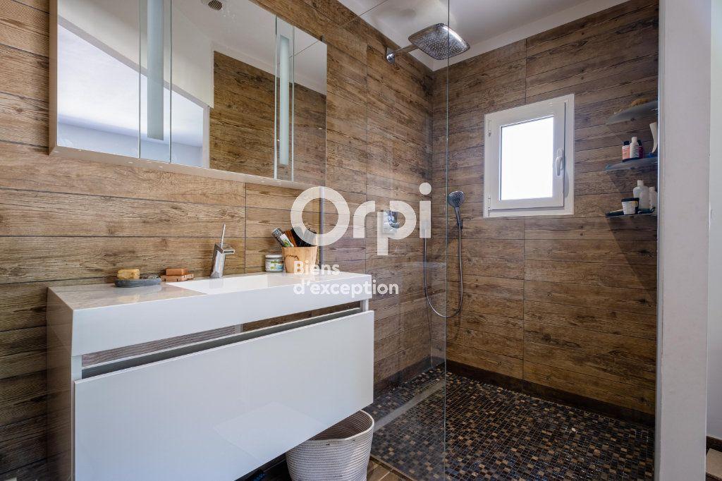 Maison à vendre 10 326m2 à Roquefort-les-Pins vignette-12