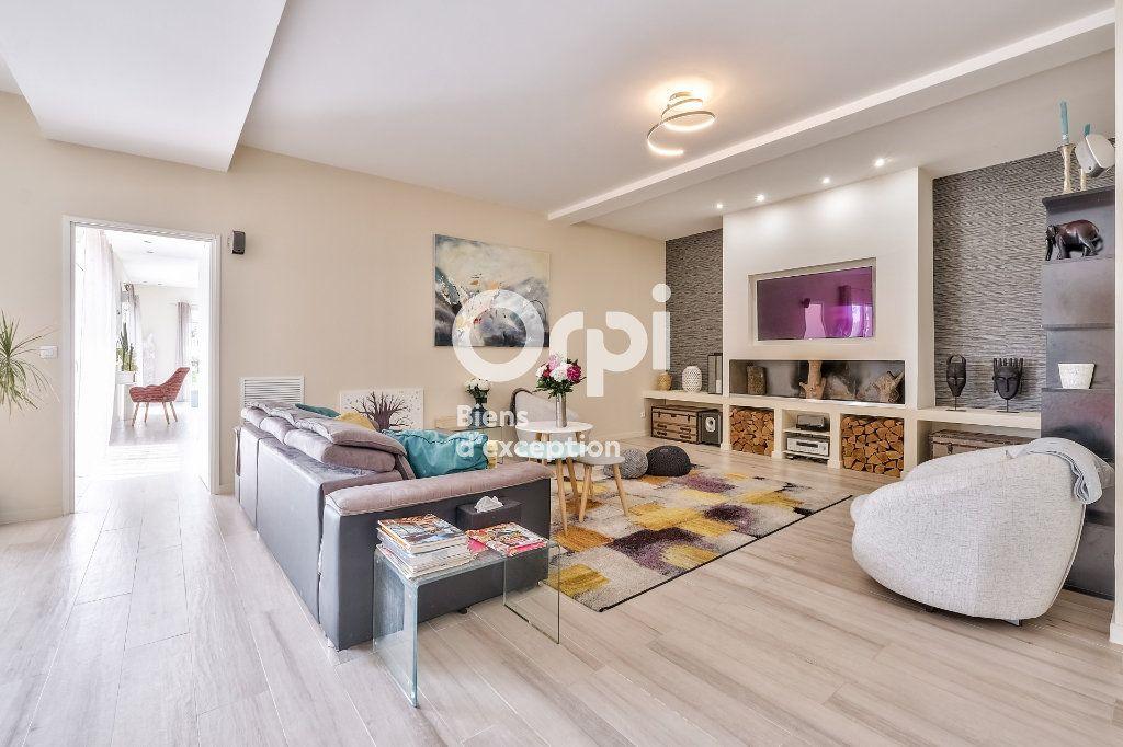 Maison à vendre 8 272.89m2 à Roquefort-les-Pins vignette-1