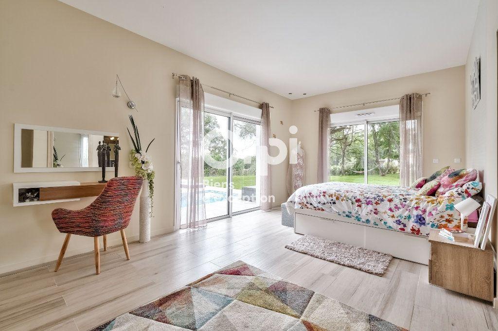 Maison à vendre 8 272.89m2 à Roquefort-les-Pins vignette-6