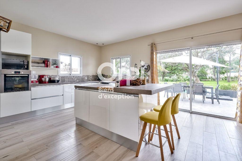 Maison à vendre 8 272.89m2 à Roquefort-les-Pins vignette-7