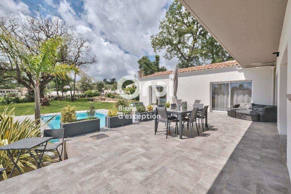 Maison à vendre 8 272.89m2 à Roquefort-les-Pins vignette-10