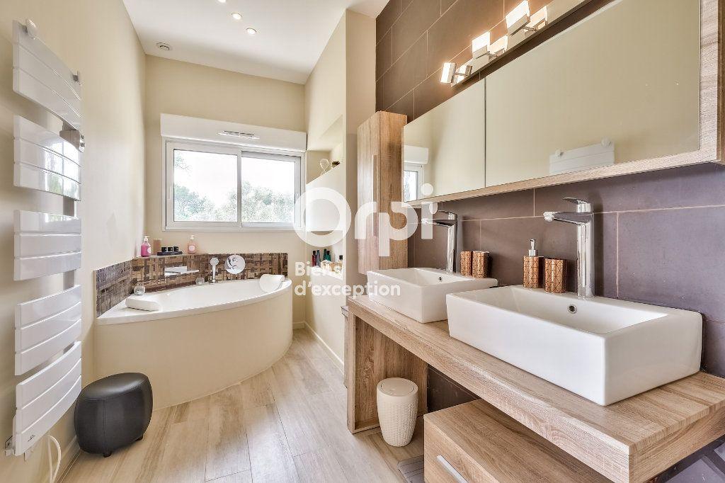 Maison à vendre 8 272.89m2 à Roquefort-les-Pins vignette-11