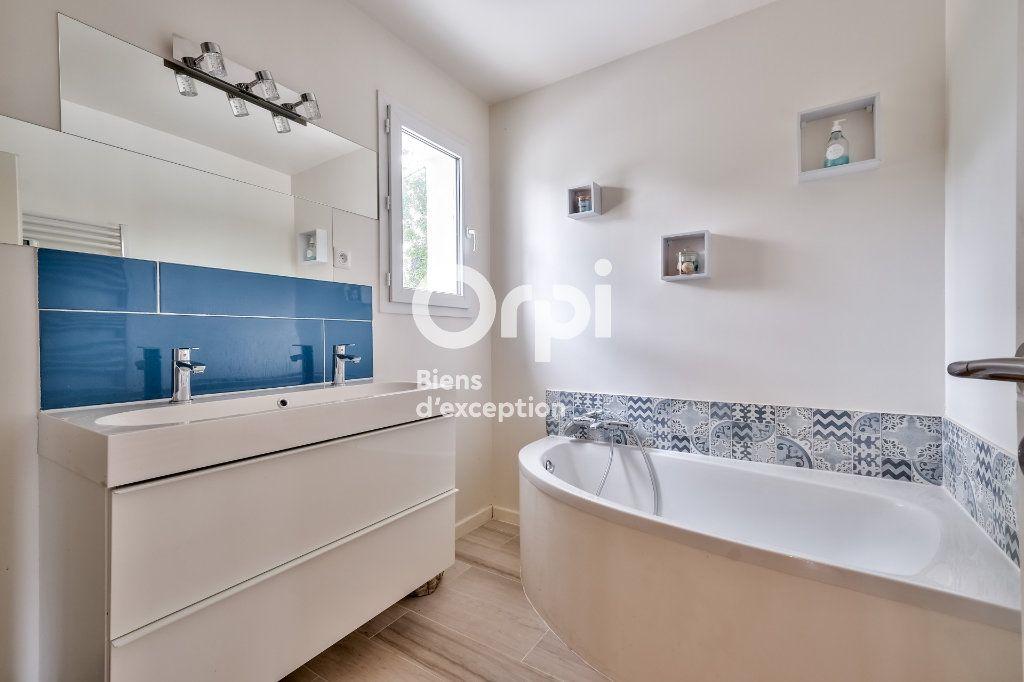 Maison à vendre 8 272.89m2 à Roquefort-les-Pins vignette-13
