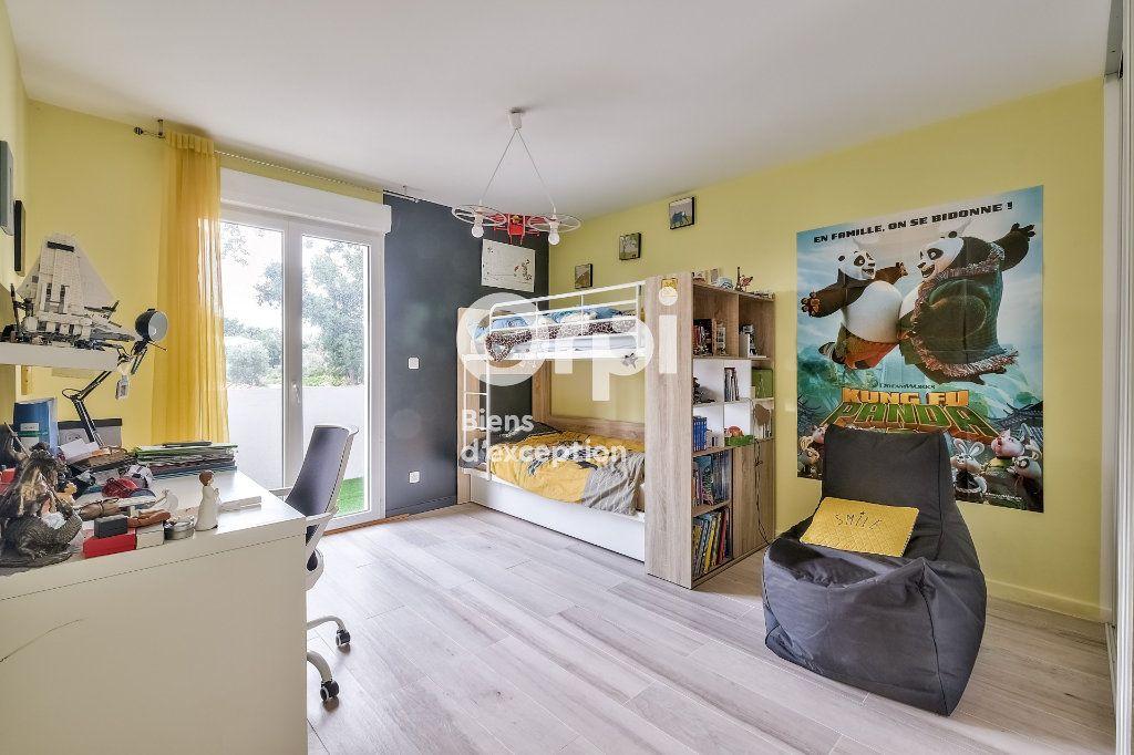 Maison à vendre 8 272.89m2 à Roquefort-les-Pins vignette-17