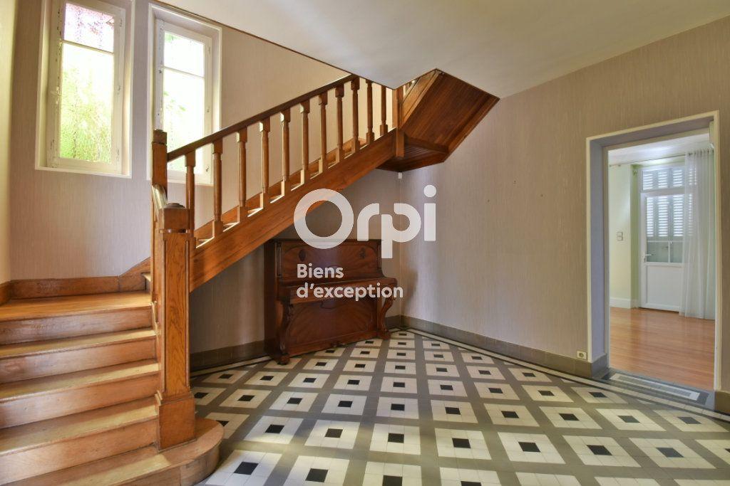 Maison à vendre 11 220m2 à Romans-sur-Isère vignette-2