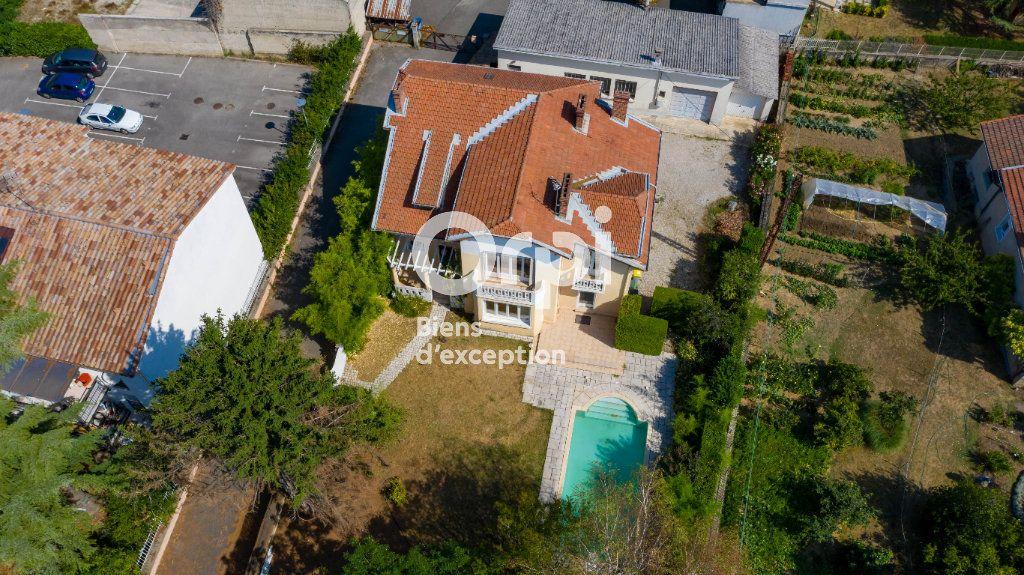 Maison à vendre 11 220m2 à Romans-sur-Isère vignette-11