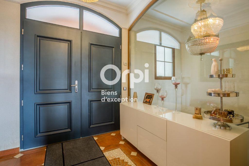 Maison à vendre 7 350m2 à Villeneuve-de-Berg vignette-6