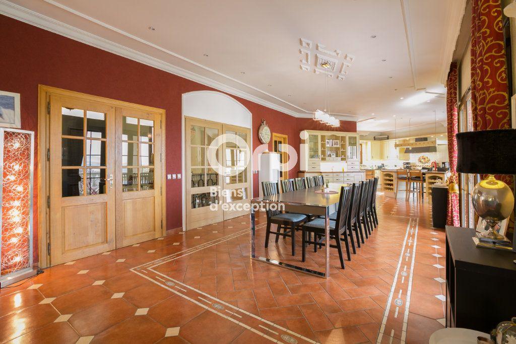 Maison à vendre 7 350m2 à Villeneuve-de-Berg vignette-7