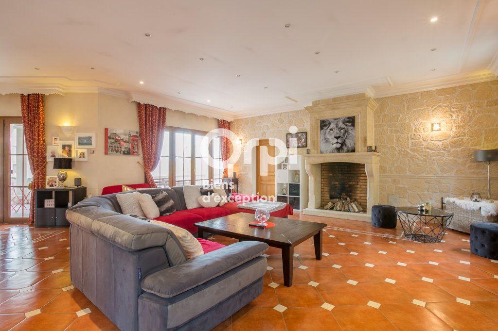 Maison à vendre 7 350m2 à Villeneuve-de-Berg vignette-9
