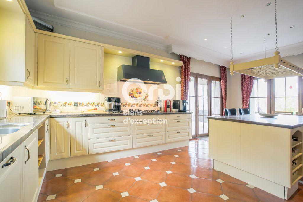 Maison à vendre 7 350m2 à Villeneuve-de-Berg vignette-11