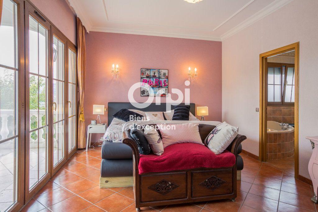 Maison à vendre 7 350m2 à Villeneuve-de-Berg vignette-13