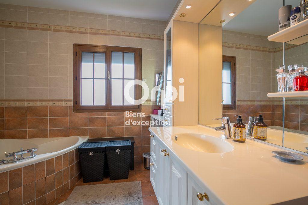 Maison à vendre 7 350m2 à Villeneuve-de-Berg vignette-15
