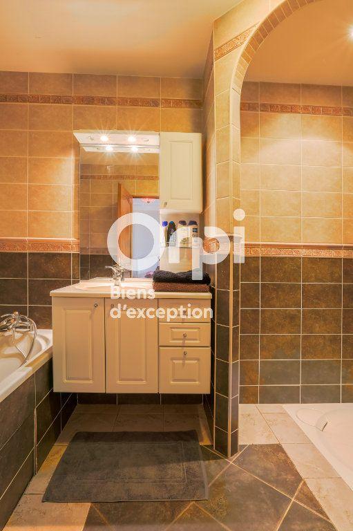 Maison à vendre 7 350m2 à Villeneuve-de-Berg vignette-17