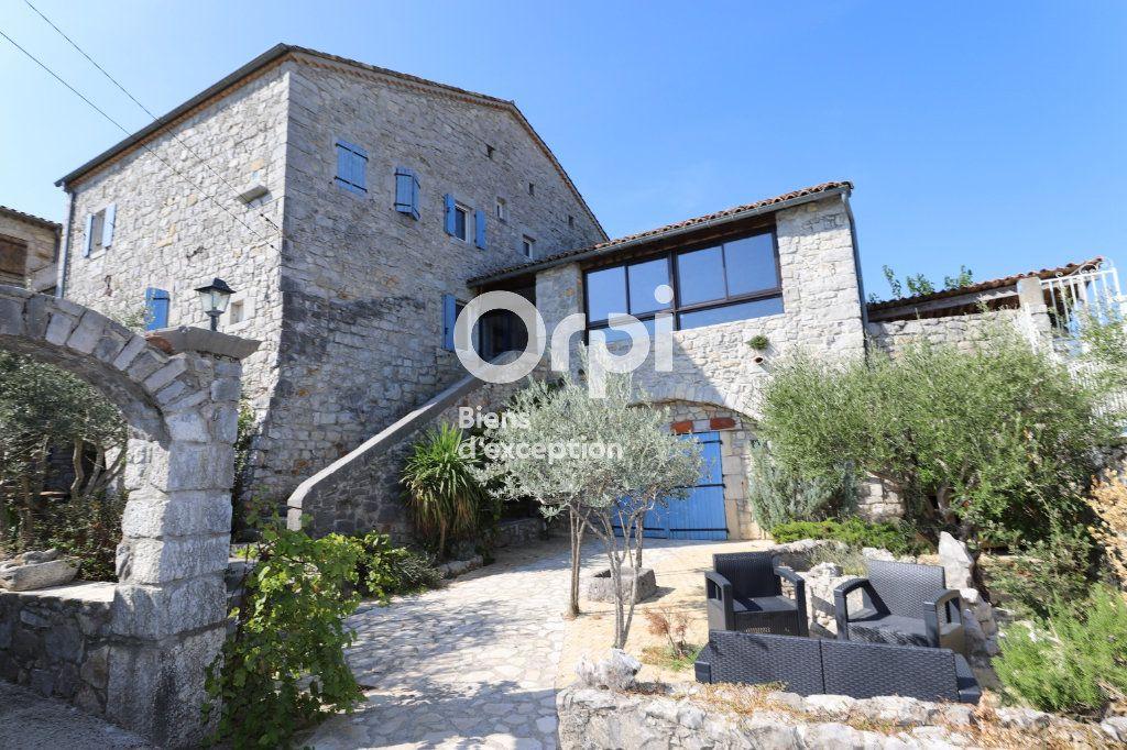 Maison à vendre 15 380m2 à Ruoms vignette-5