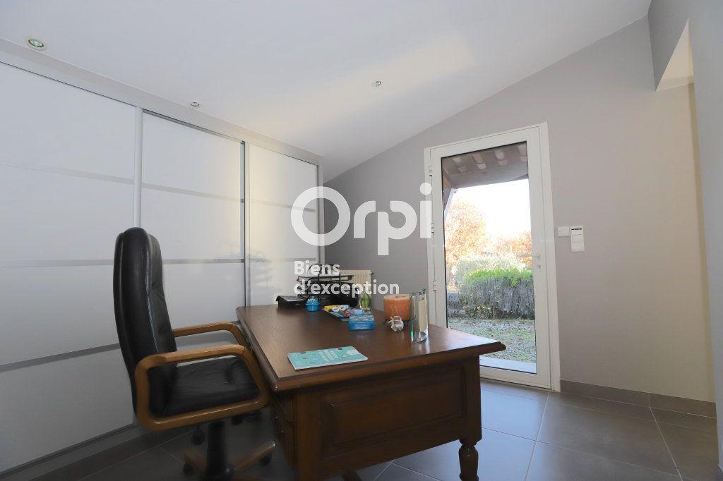 Maison à vendre 6 213m2 à Ruoms vignette-16
