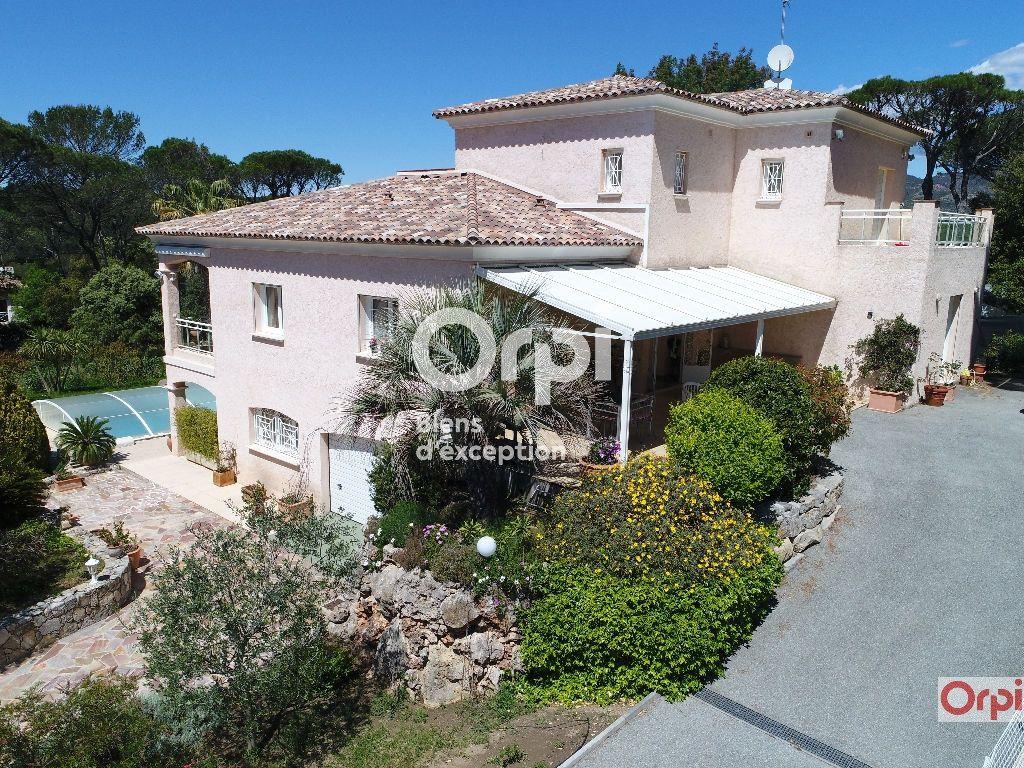 Maison à vendre 6 243m2 à Saint-Raphaël vignette-1