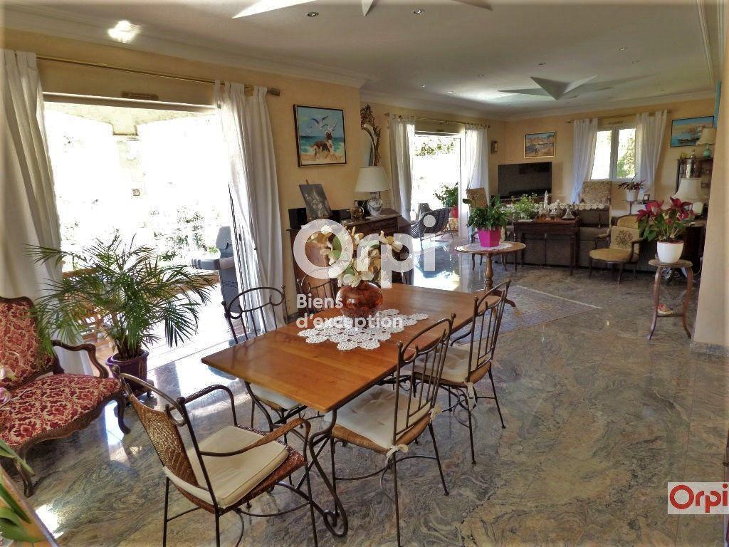 Maison à vendre 6 243m2 à Saint-Raphaël vignette-3