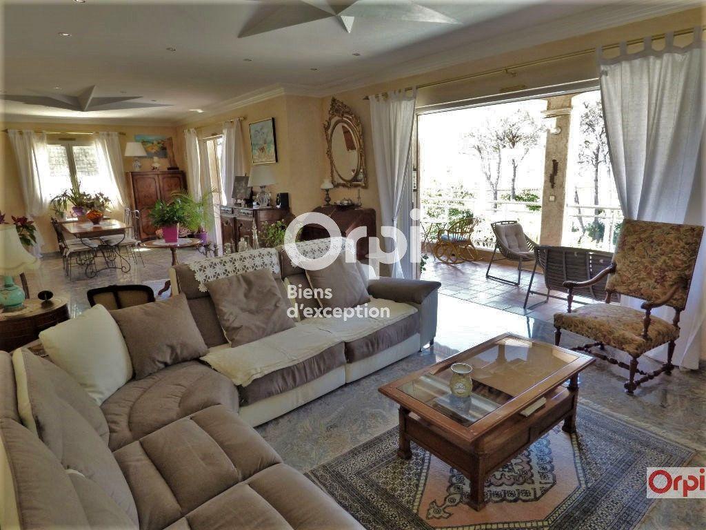 Maison à vendre 6 243m2 à Saint-Raphaël vignette-4