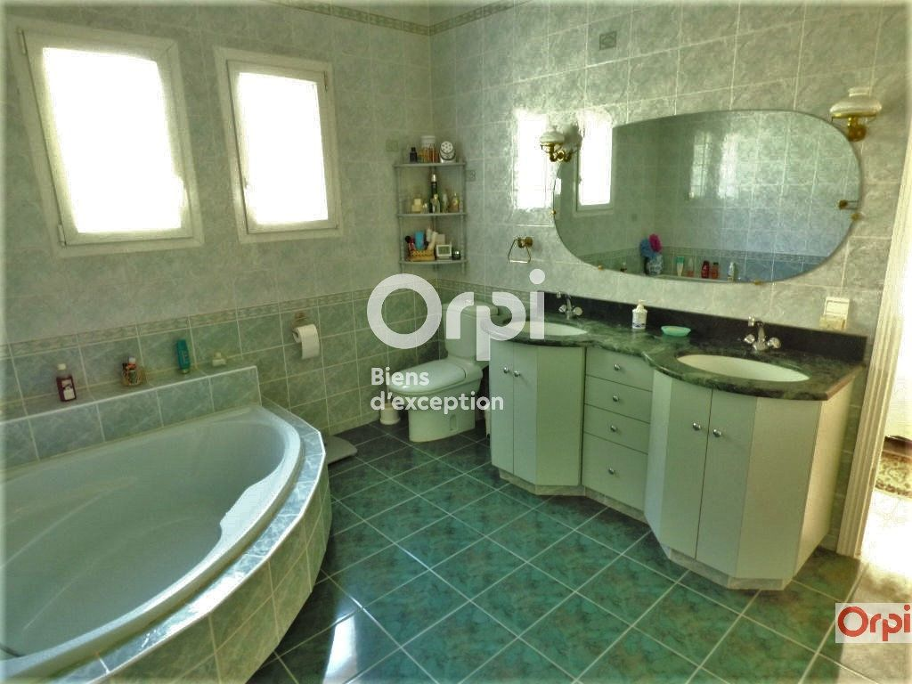 Maison à vendre 6 243m2 à Saint-Raphaël vignette-7
