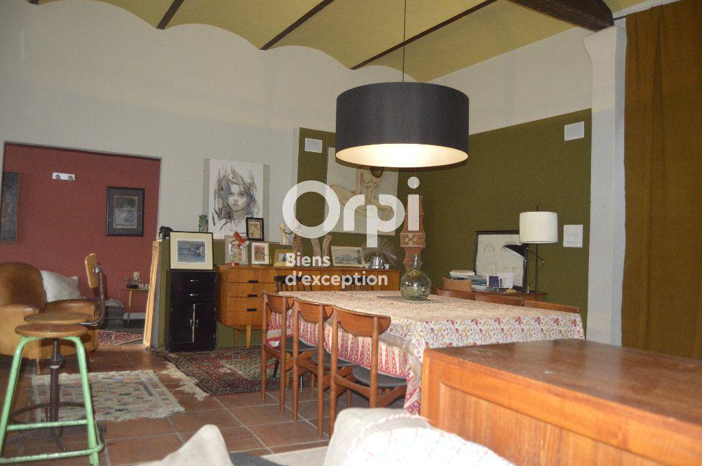 Maison à vendre 10 284m2 à Bourg-Saint-Andéol vignette-8