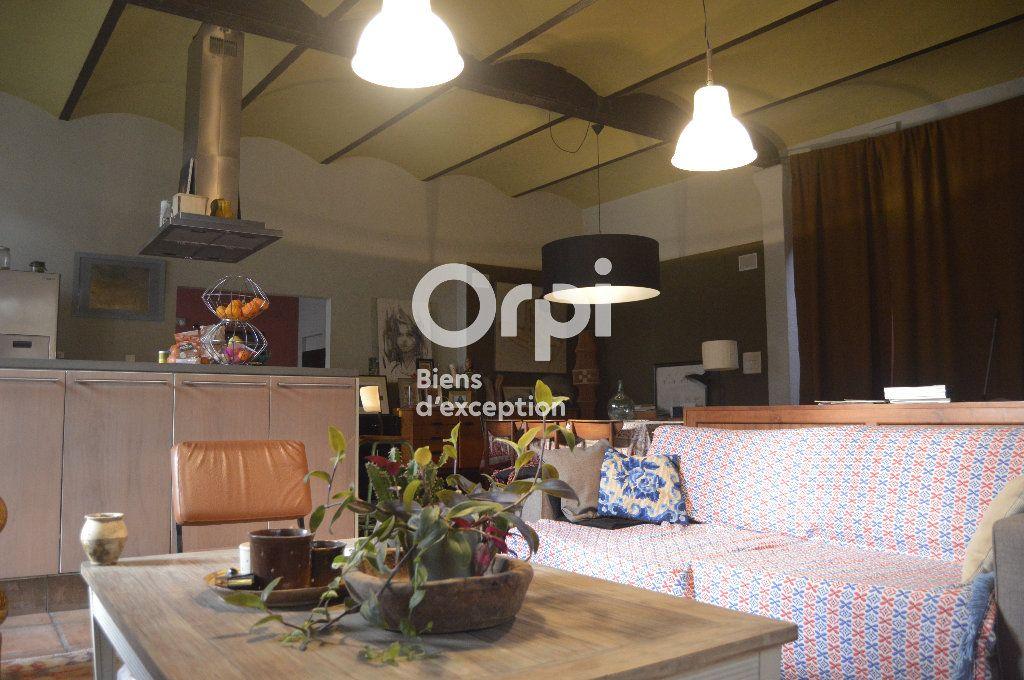 Maison à vendre 10 284m2 à Bourg-Saint-Andéol vignette-9