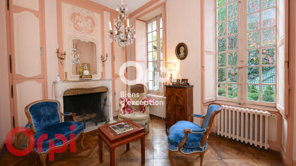 Maison à vendre 9 232m2 à La Rochelle vignette-4