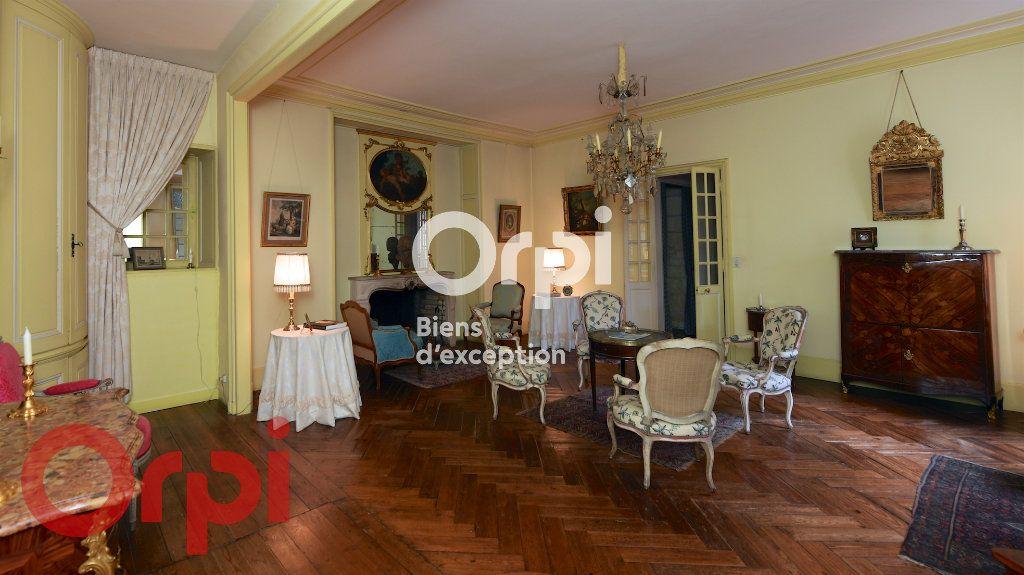 Maison à vendre 9 232m2 à La Rochelle vignette-5