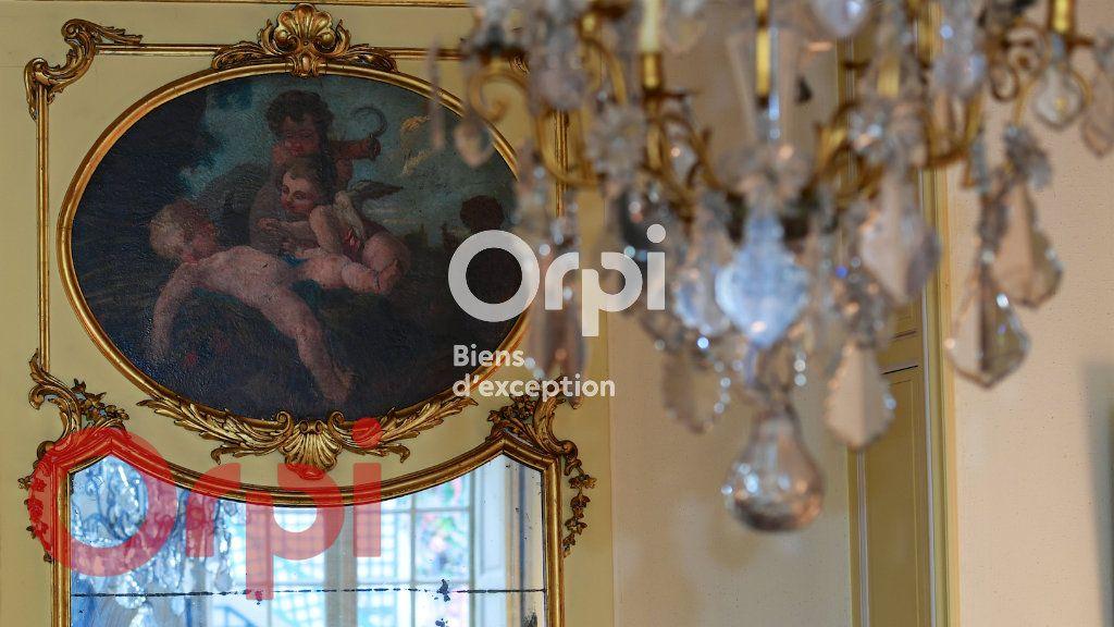 Maison à vendre 9 232m2 à La Rochelle vignette-6