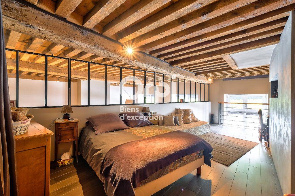 Appartement à vendre 5 170.06m2 à Lyon 1 vignette-3