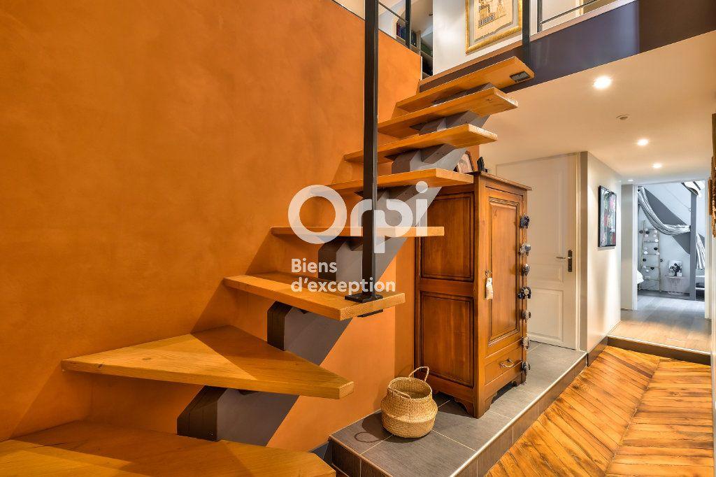 Appartement à vendre 5 170.06m2 à Lyon 1 vignette-6