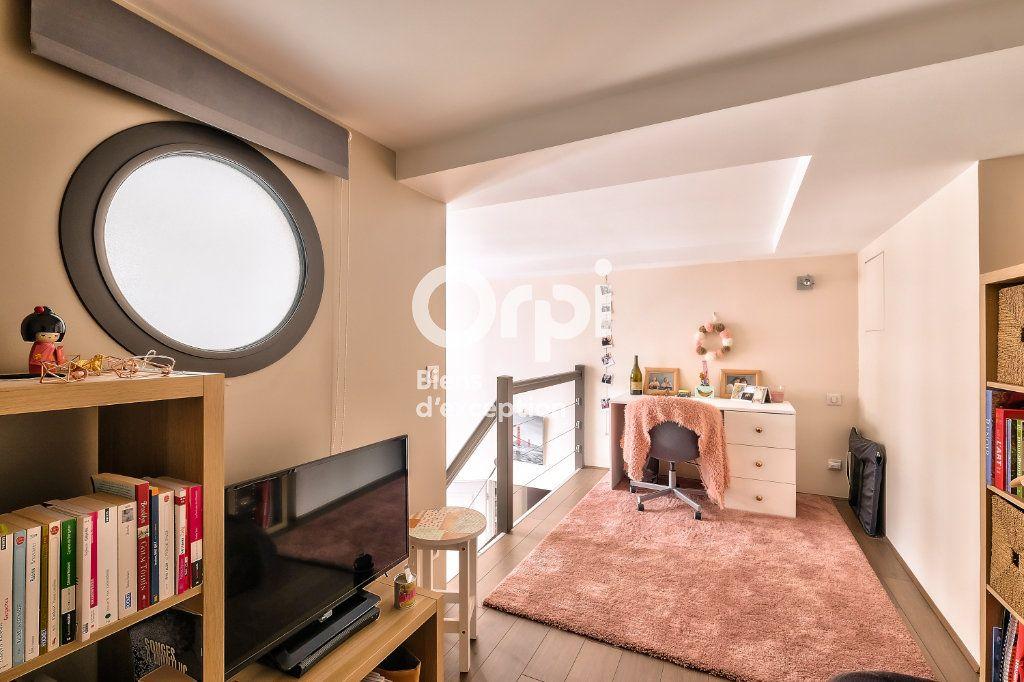 Appartement à vendre 5 170.06m2 à Lyon 1 vignette-9