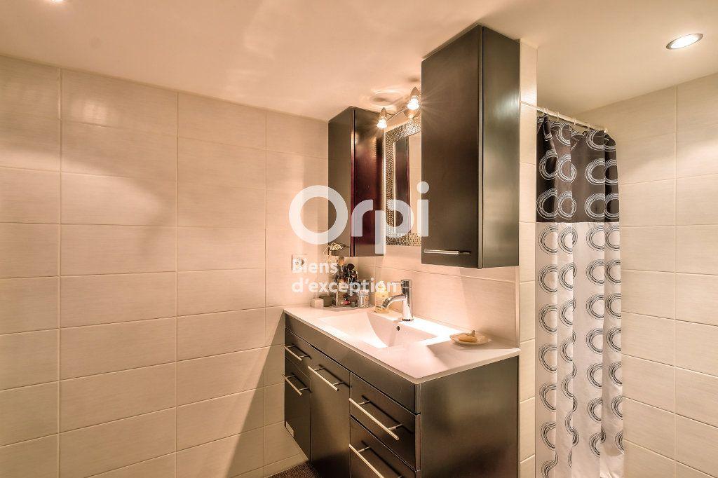Appartement à vendre 5 170.06m2 à Lyon 1 vignette-10