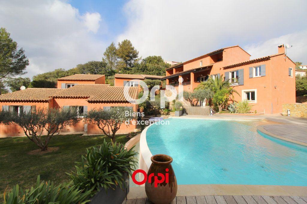 Maison à vendre 12 400m2 à Le Castellet vignette-1