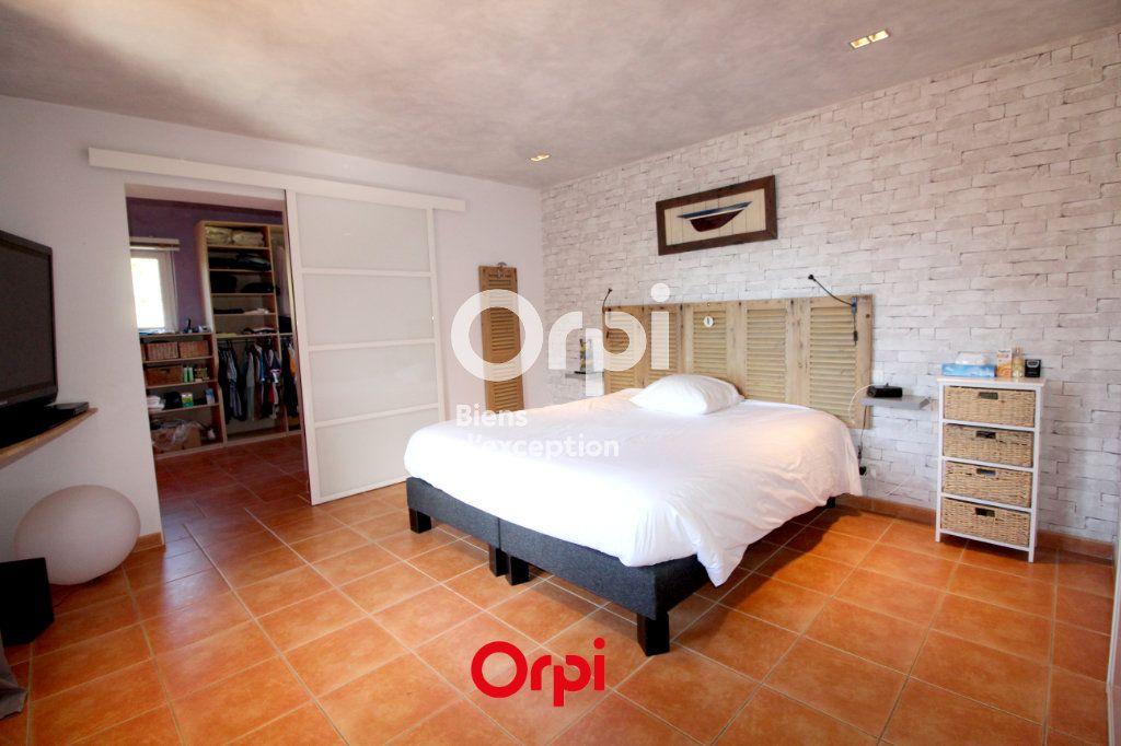 Maison à vendre 12 400m2 à Le Castellet vignette-8