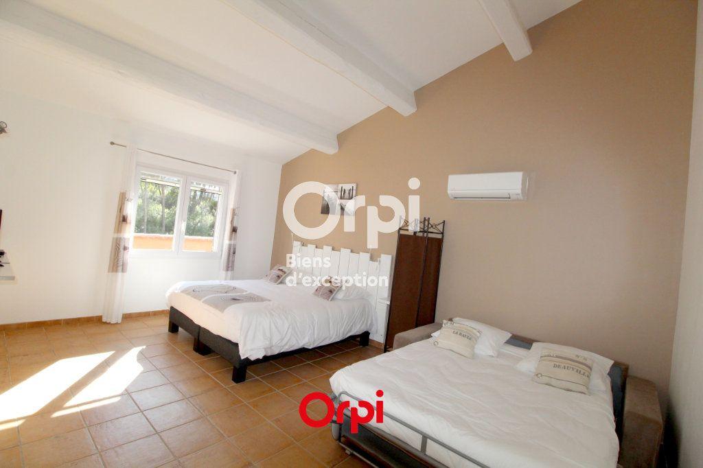 Maison à vendre 12 400m2 à Le Castellet vignette-13