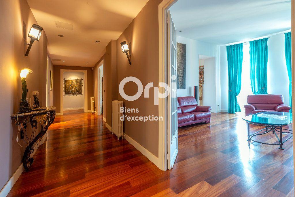 Appartement à vendre 7 233m2 à Nice vignette-1